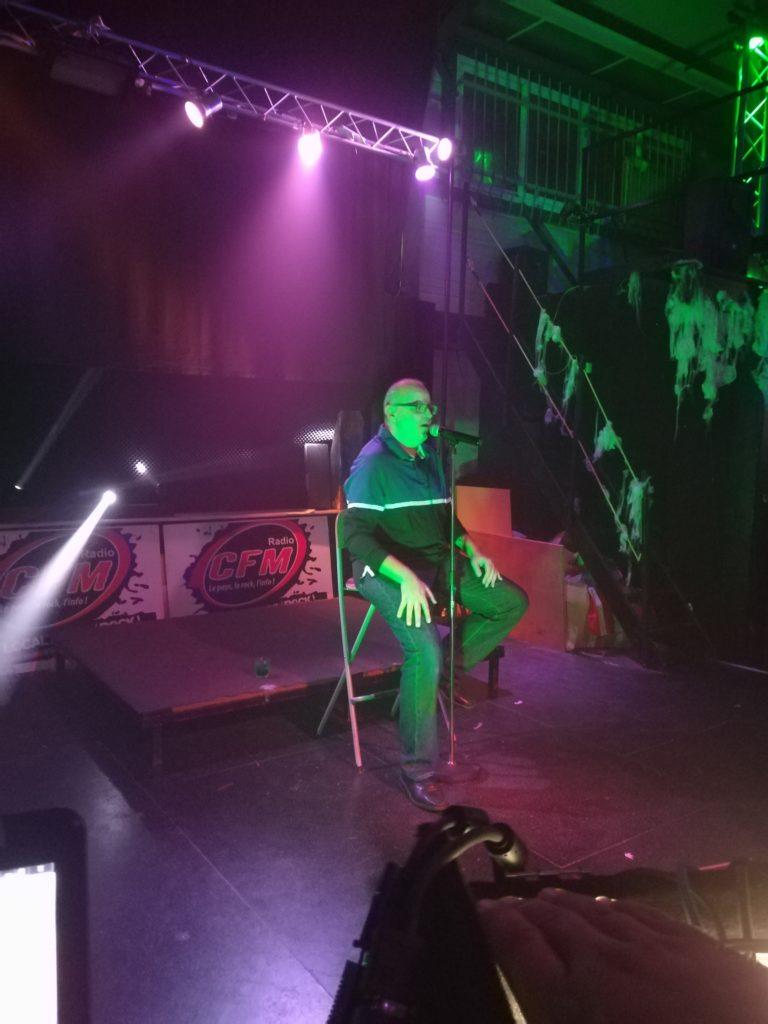 Tour de chant avec Mr Hervé...